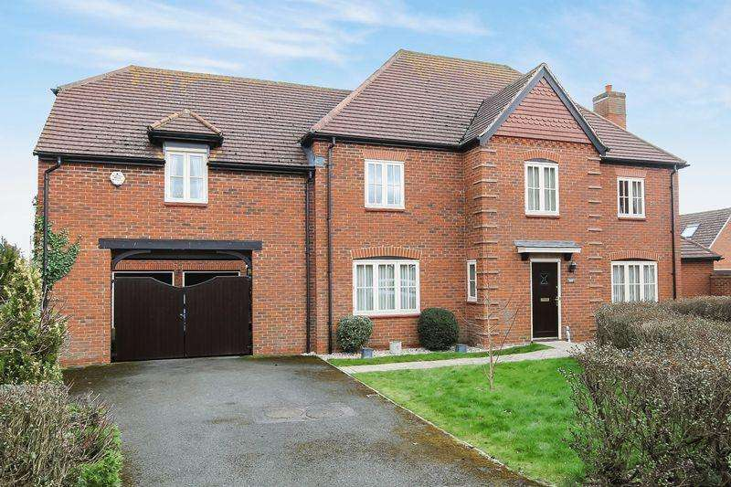 5 Bedrooms Detached House for sale in HOLME LACY