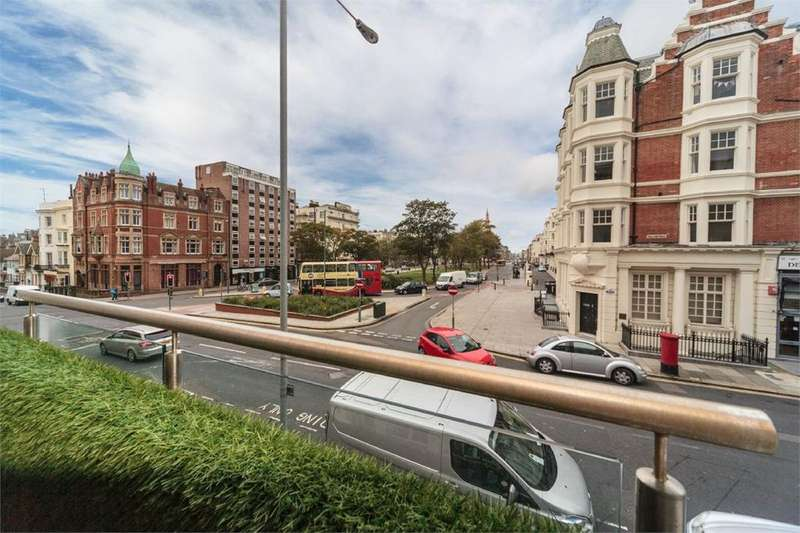 2 Bedrooms Apartment Flat for sale in Palmeira Plaza, Hove, BN3