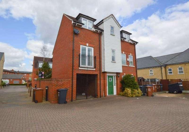 4 Bedrooms Detached House for rent in Bishops Stortford