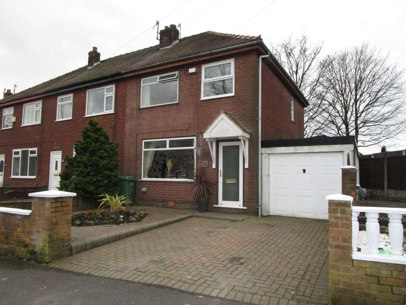 3 Bedrooms Semi Detached House for sale in Trent Road, Shaw