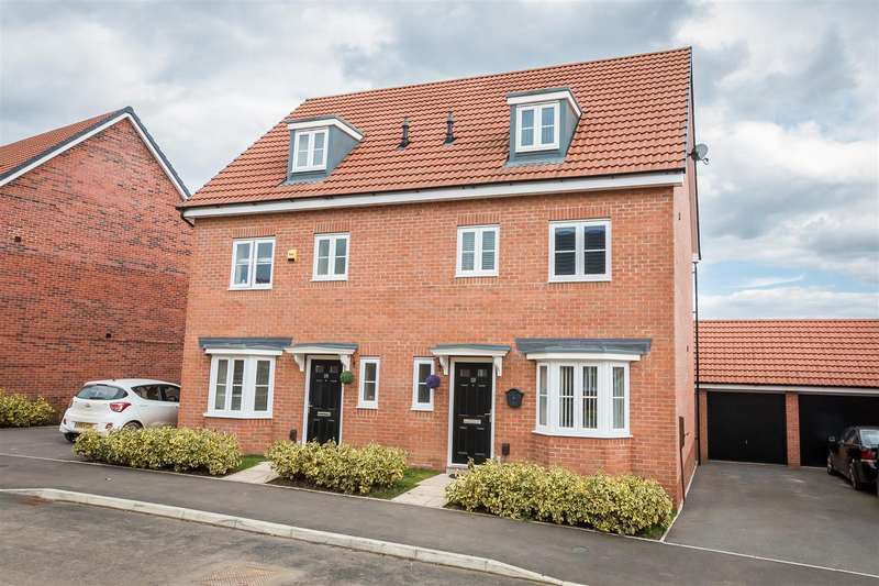 4 Bedrooms Semi Detached House for sale in Dovecote Close, Brockhill, Redditch