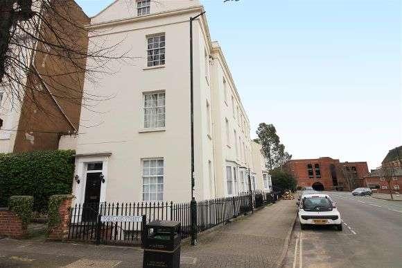 1 Bedroom Flat for sale in Portland Street, Leamington Spa