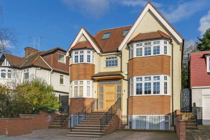 7 Bedrooms Detached House for sale in Broughton Avenue, Finchley