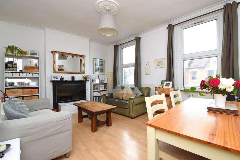 2 Bedrooms Flat for sale in Bovill Road SE23
