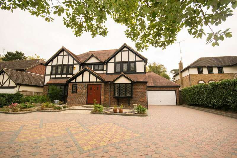 5 Bedrooms Detached House for sale in Roundwood Avenue, Hutton Mount, Brentwood, Essex, CM13