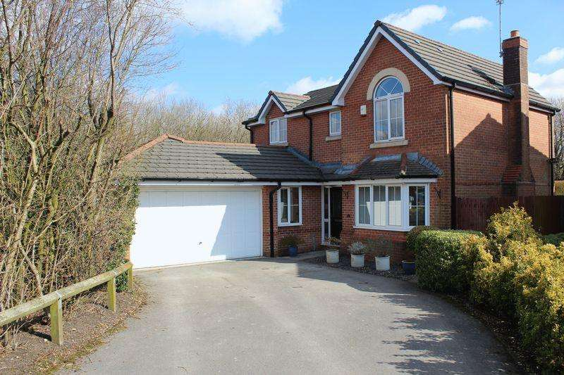 4 Bedrooms Detached House for sale in Shepherds Way, Milnrow, Rochdale, OL16 4AR