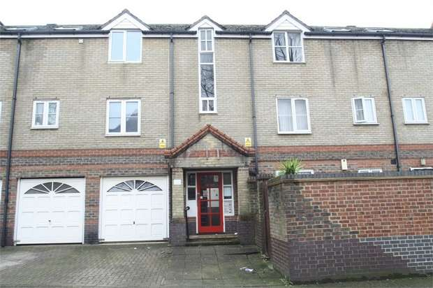 1 Bedroom Flat for sale in Viscount Drive, Beckton, London