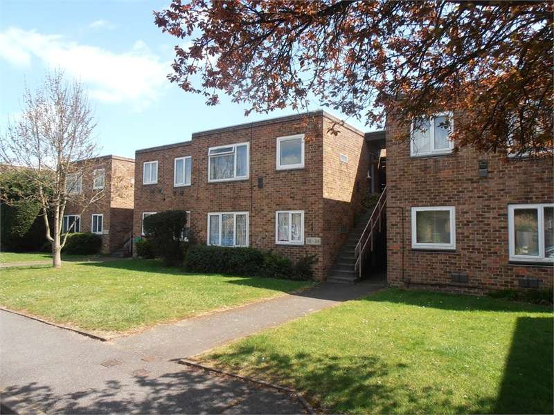 1 Bedroom Maisonette Flat for sale in Whitley Close, Stanwell, Staines-upon-Thames, TW19