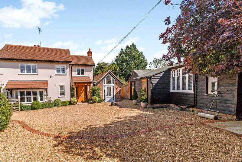 4 Bedrooms Detached House for sale in Newlands Lane, Stoke Row, Henley-on-Thames, Oxfordshire, RG9