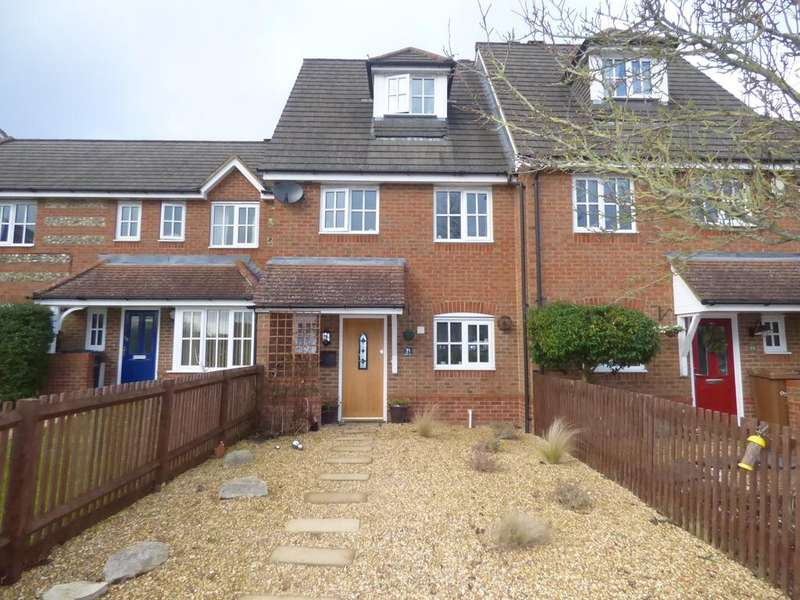 3 Bedrooms Town House for sale in Berry Way, Andover, Hampshire, SP10