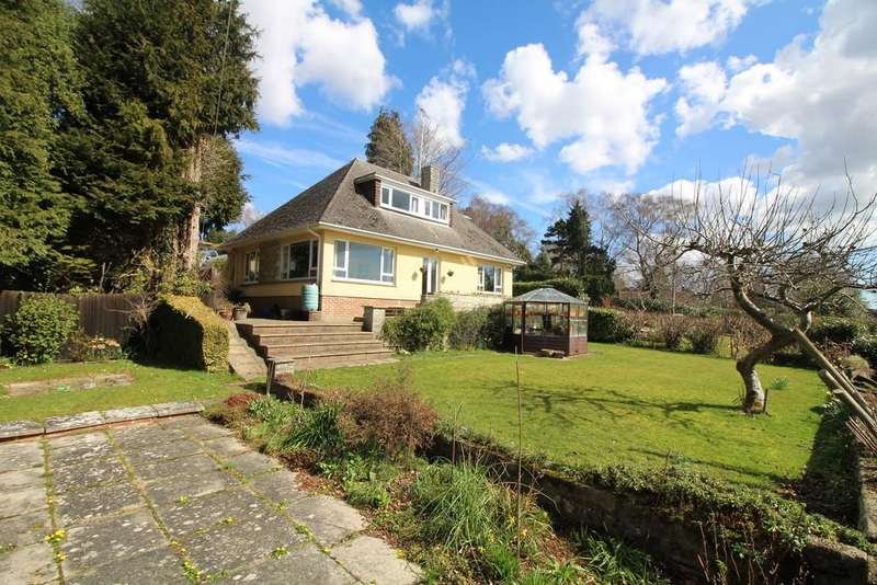 4 Bedrooms Chalet House for sale in Old Wareham Road, Beacon Hill, Poole