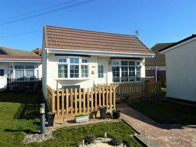 2 Bedrooms Bungalow for sale in Seaholme Road, Mablethorpe,