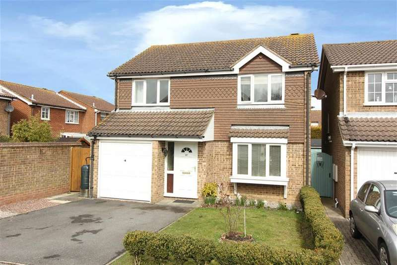4 Bedrooms Detached House for sale in Cromwell Park Place, Cheriton, Folkestone CT20 3SD