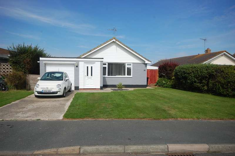 3 Bedrooms Detached Bungalow for sale in Sunnymead Drive, Selsey, Chichester PO20