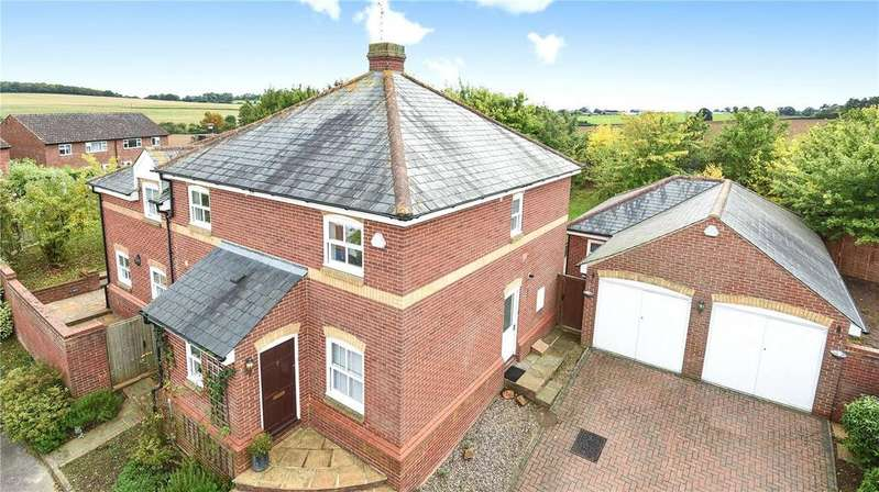 4 Bedrooms Detached House for sale in Lloyd Taylor Close, Little Hadham, Hertfordshire, SG11