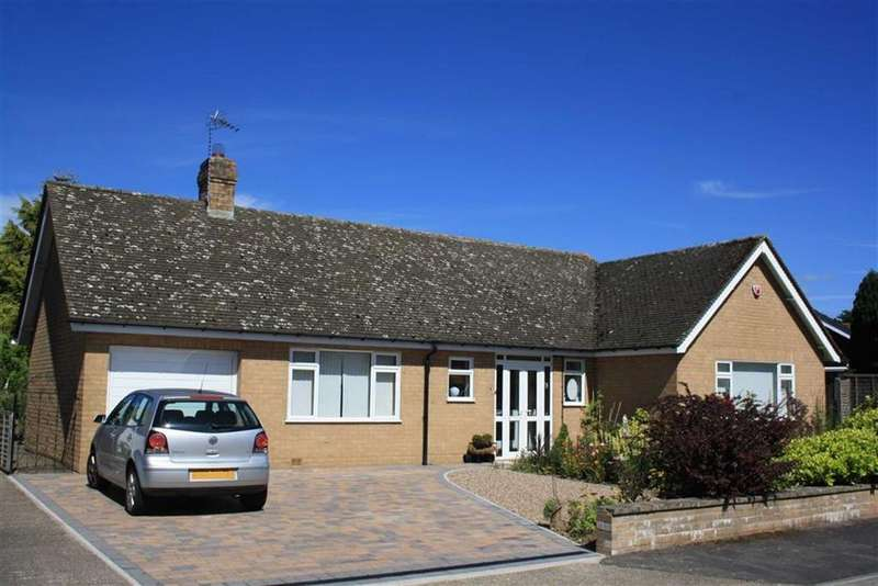 3 Bedrooms Detached Bungalow for sale in Westhope Avenue, Copthorne, Shrewsbury