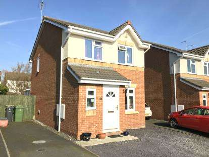 3 Bedrooms Detached House for sale in Pinetree Close, Winsford, Cheshire