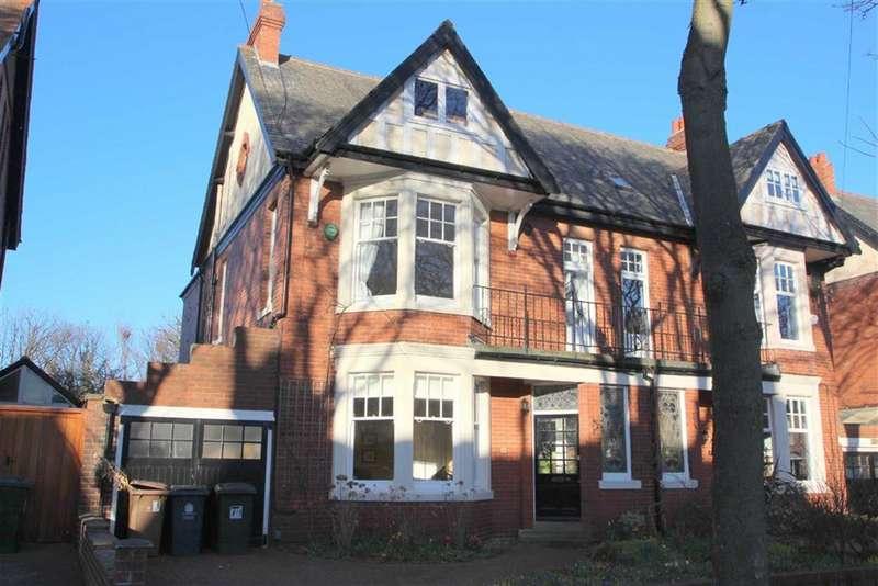6 Bedrooms Semi Detached House for sale in Beverley Gardens, Cullercoats, Tyne & Wear, NE30