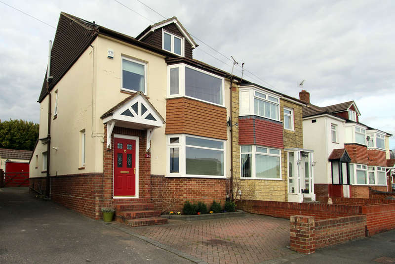 4 Bedrooms Semi Detached House for sale in Coleridge Road, Portchester