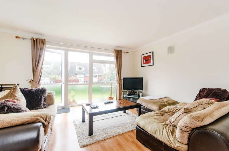 2 Bedrooms Maisonette Flat for rent in St Cuthberts Gardens, Hatch End, HA5