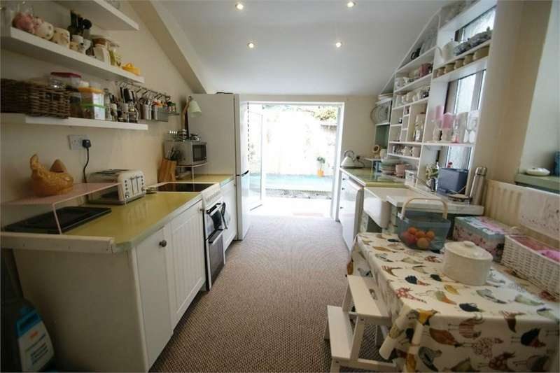2 Bedrooms Terraced House for sale in Bryn Street, Brynhyfryd, Swansea, SA5