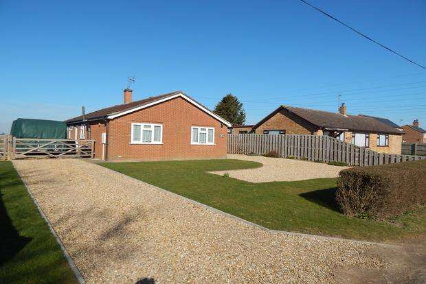 3 Bedrooms Detached Bungalow for sale in Lutton Bank, Lutton, Spalding, PE12