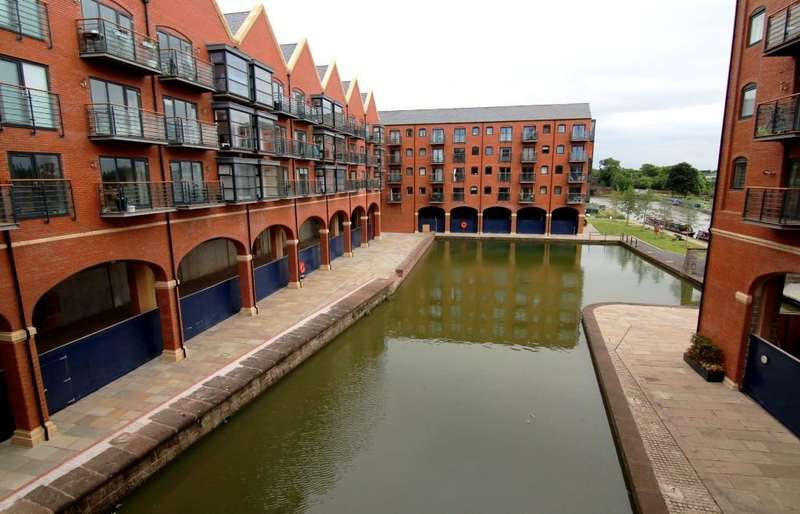 2 Bedrooms Apartment Flat for sale in Handbridge Square, Chester