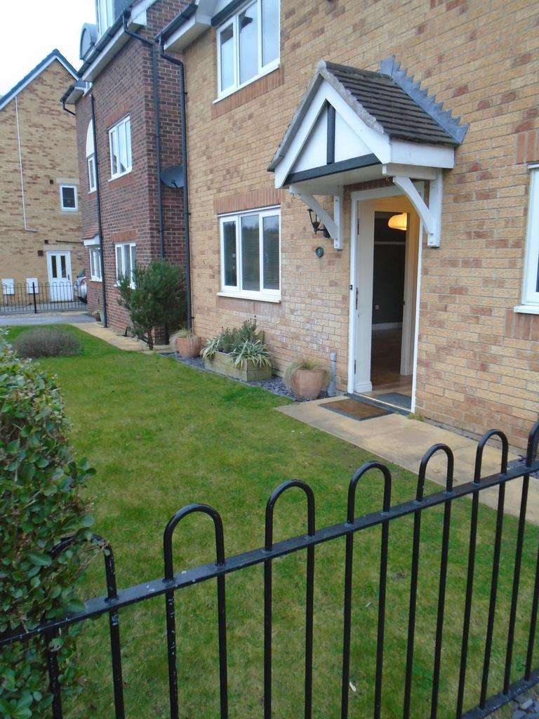 3 Bedrooms Detached House for rent in Cygnet Close, Brampton Bierlow, Rotherham S63 6EY