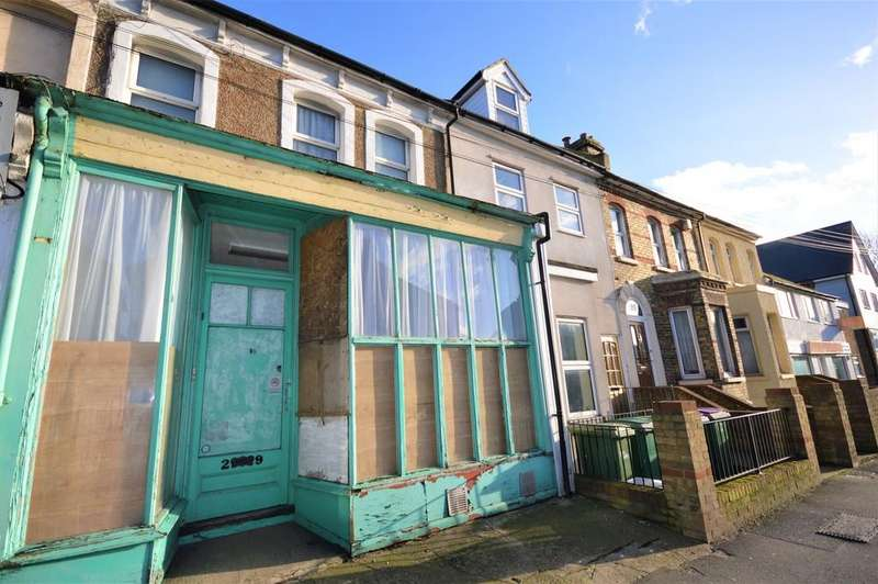3 Bedrooms Terraced House for sale in Risborough Lane, Cheriton , Folkestone