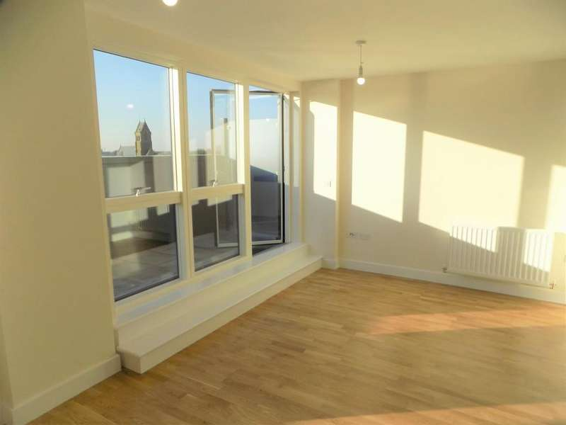 2 Bedrooms Apartment Flat for sale in Crossway, N16