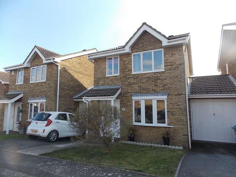 4 Bedrooms Link Detached House for sale in Chatsworth Avenue, Telscombe Cliffs, East Sussex BN10