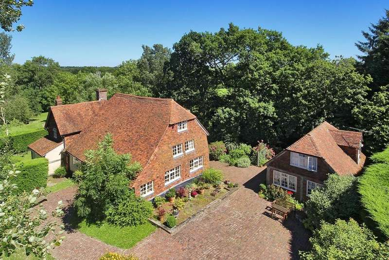 6 Bedrooms Detached House for sale in Golford Road, Benenden, Cranbrook, Kent, TN17 4AL