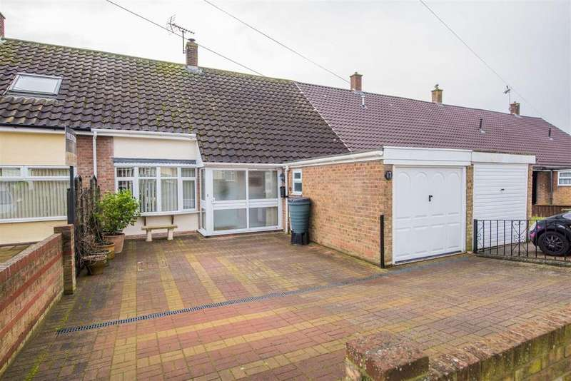 2 Bedrooms Terraced House for sale in Gaell Crescent, Hadleigh, IP7 5HT