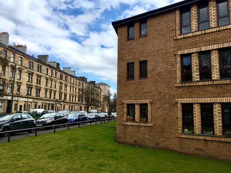 3 Bedrooms Flat for rent in Raeberry Street, Kelvinbridge, Glasgow