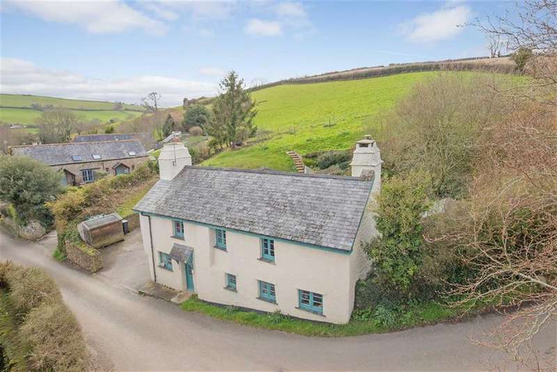4 Bedrooms Detached House for sale in East Cornworthy, Devon, TQ9