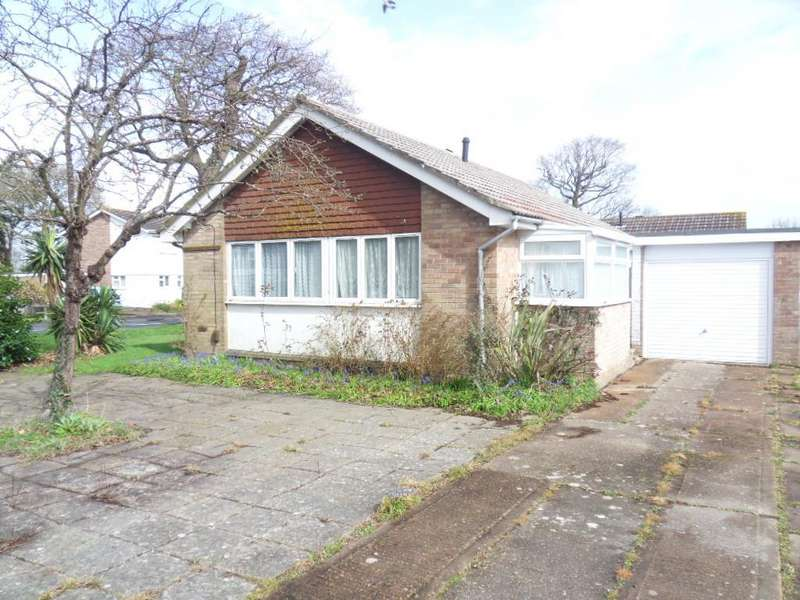 3 Bedrooms Bungalow for sale in Crossfield Avenue, Cowes