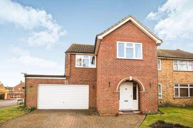 5 Bedrooms Semi Detached House for sale in Byfleet, Surrey