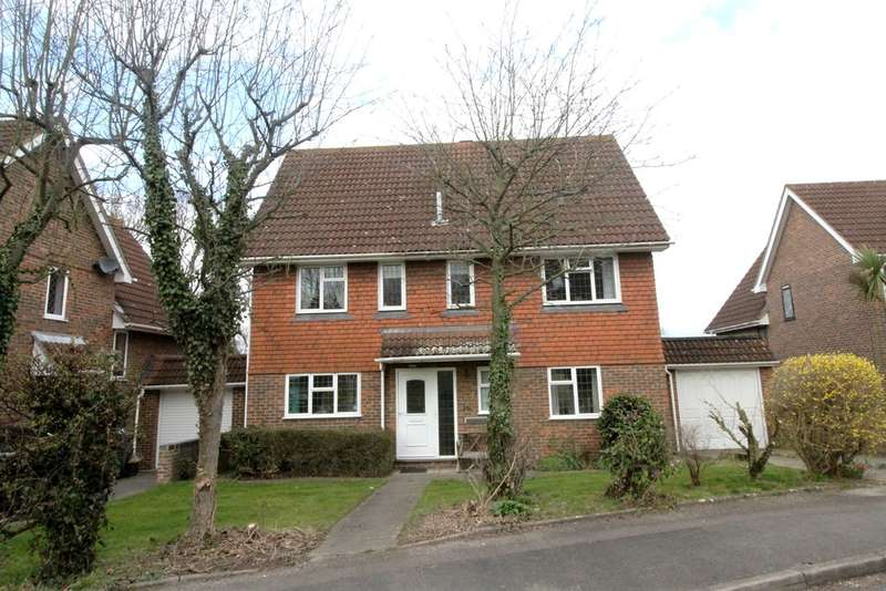 4 Bedrooms Detached House for sale in Romney Drive, Bromley