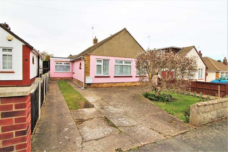 3 Bedrooms Detached Bungalow for sale in Hillcrest, Clacton-On-Sea