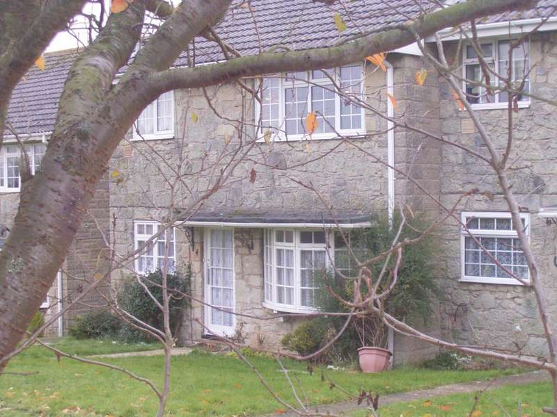 2 Bedrooms Flat for rent in Whitwell Farm Maisonette, Whitwell, Isle Of Wight, PO38
