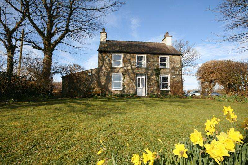 4 Bedrooms Detached House for sale in Brynteg, Anglesey