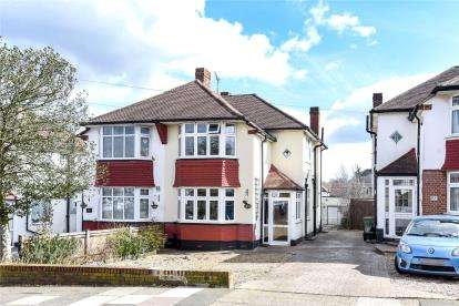3 Bedrooms Semi Detached House for sale in Elmstead Avenue, Chislehurst