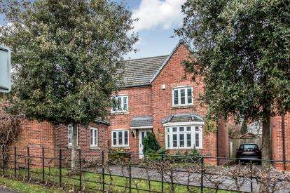 4 Bedrooms Detached House for sale in Brattice Drive, Pendlebury, Swinton, Manchester