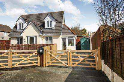 3 Bedrooms Bungalow for sale in St Austell, Cornwall, Uk