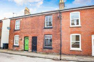 2 Bedrooms Terraced House for sale in Ada Road, Canterbury, Kent, United Kingdom