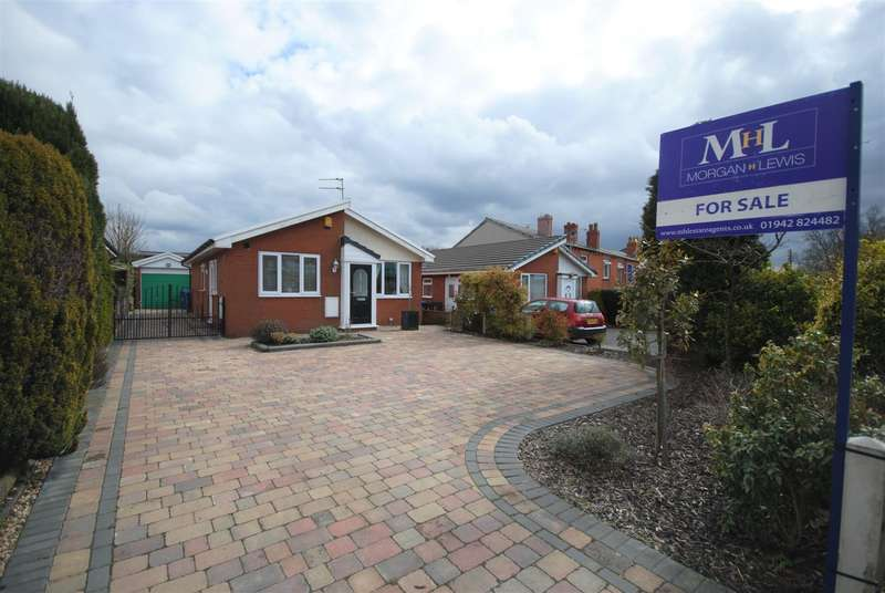 2 Bedrooms Detached Bungalow for sale in Scot Lane, Aspull, Wigan.