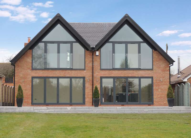4 Bedrooms Detached House for sale in Spinnaker, Malthouse Lane, Earlswood, Solihull, B94 5RY
