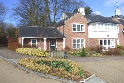 2 Bedrooms End Of Terrace House for rent in Abbey Mill; Prestbury. SK10