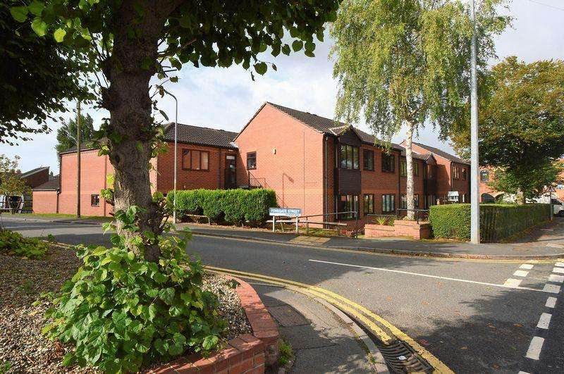 2 Bedrooms Retirement Property for sale in Foregate Street * Astwood Bank * B96 6BW
