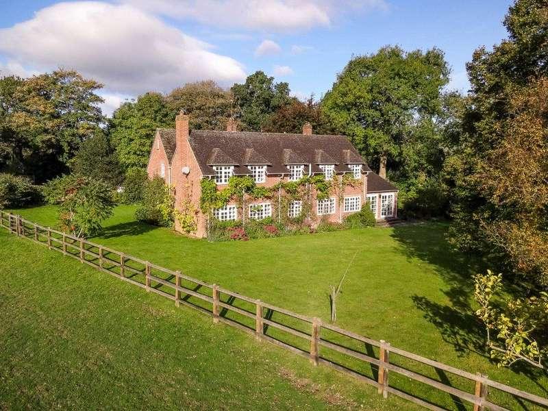 5 Bedrooms Detached House for sale in Oakley Lane, Wash Water, Newbury, RG20